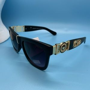 Versace sunglasses n ok ve never used